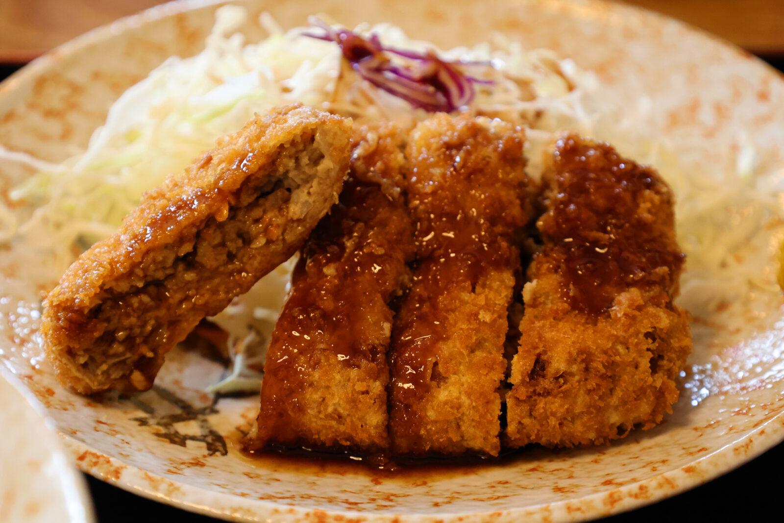 美味い!千歳「柳ばし」で揚げたての絶品メンチカツ定食を食べよう
